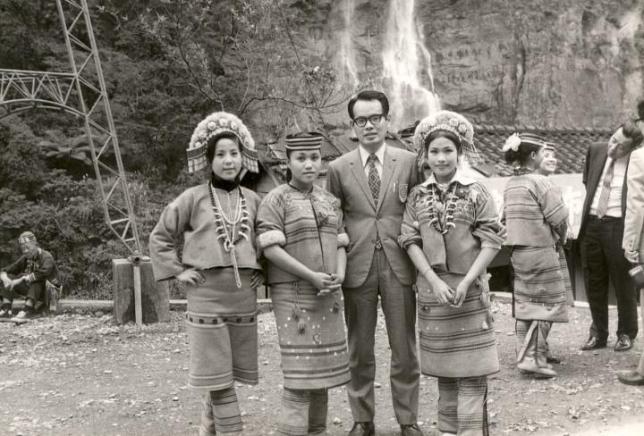 1969年初めての添乗員、烏来にて