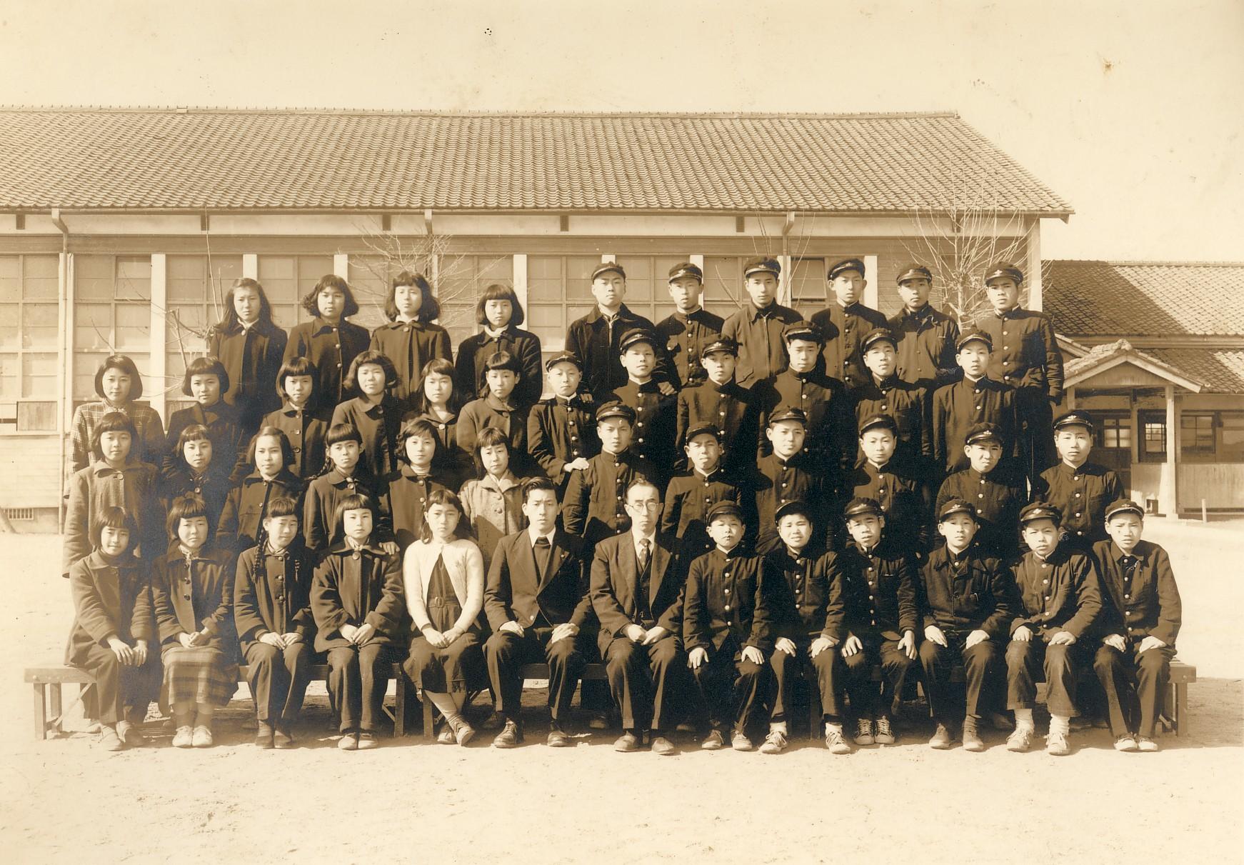 京都市立上桂中卒業記念・最後列右端 1954年3月