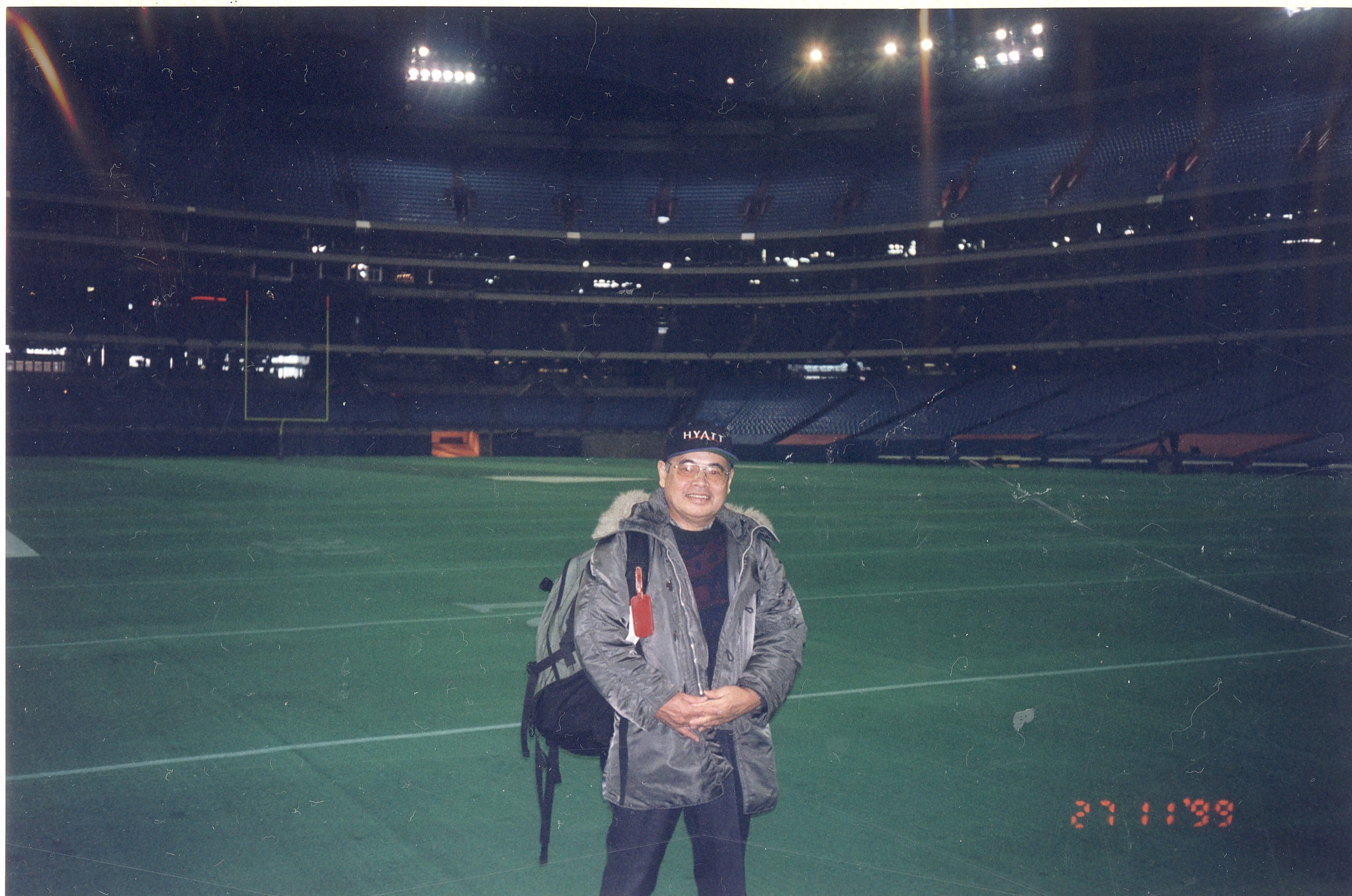 トロント・ブルージェイズ・スタジアムのグランドに立って 1999年11月