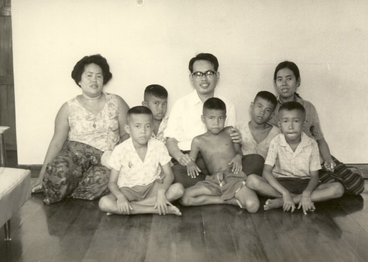 タイ・アユタヤの軍人スナイ・ティンブラナタム大尉のお宅で 1966年12月