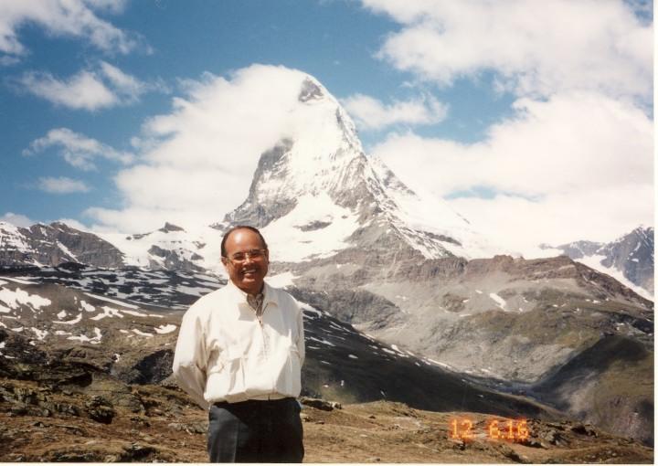 マッターホルンの雄姿をバックに 2000年6月