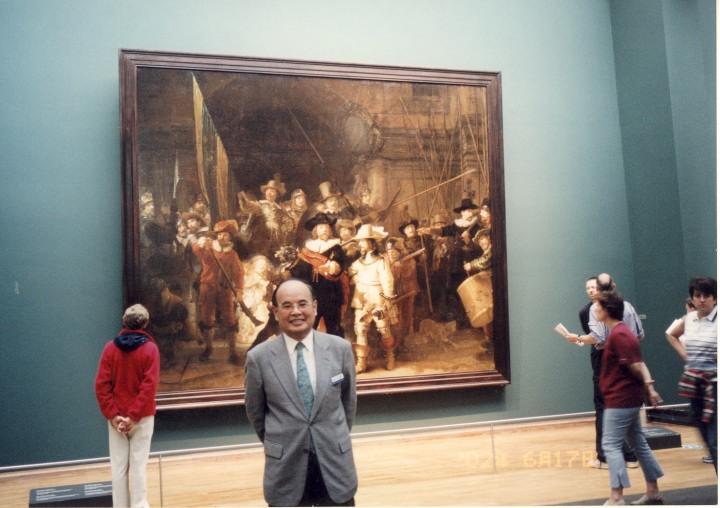 レンブラントの名画「夜警」前にて 2002年6月
