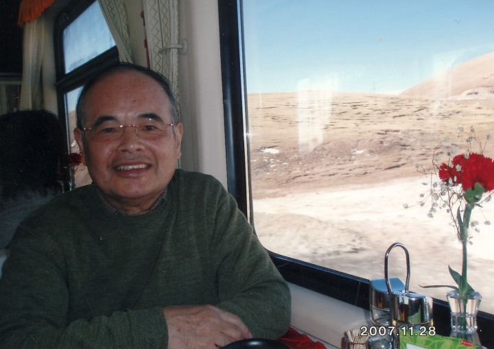 青海チベット鉄道の食堂車内 2007年11月